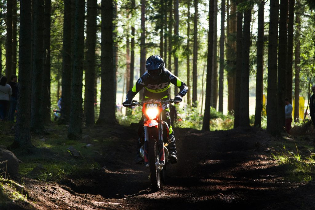 O que é o motocross: um guia completo sobre o esporte radical off road